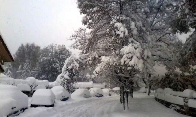 استمرار تساقط كميات هامة من الثلوج اليوم وغدا الاربعاء بالمغرب